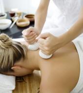 massages avec poudres de plantes
