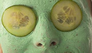 masque de peeling sur le visage