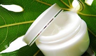 crème naturelle aux plantes