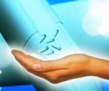 gélules dans la main