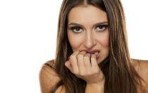 visage avec peur et stress