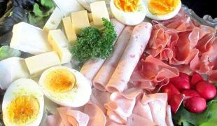 oeufs, viandes, fromages